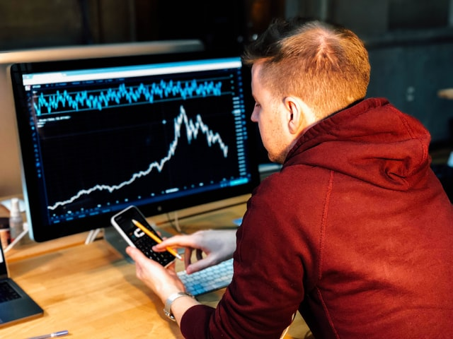 Four reasons why people love forex trading